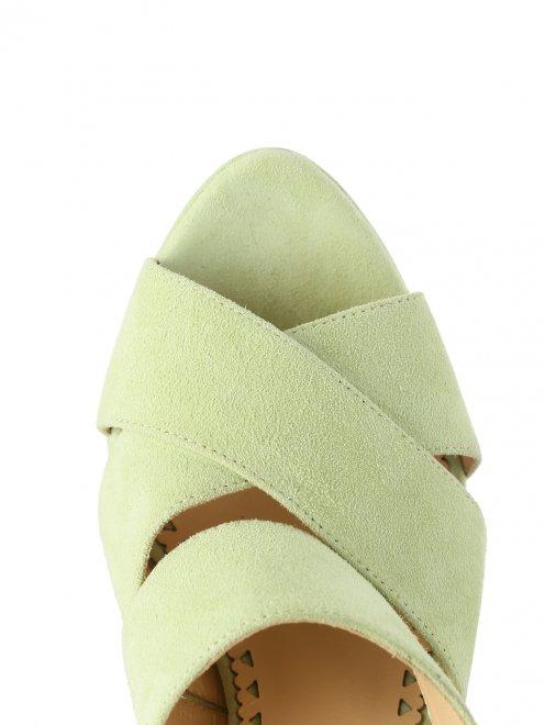 Босоножки из замши на высоком каблуке - Обтравка3