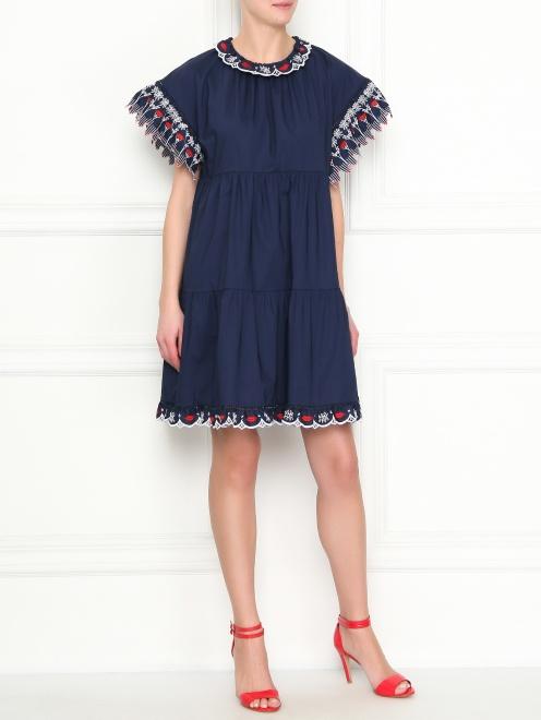 Платье-мини из хлопка с контрастной вышивкой - Общий вид