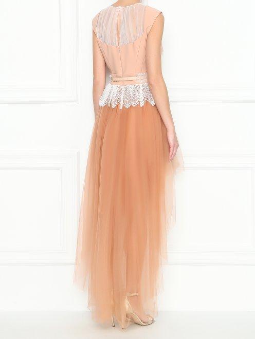Платье асимметричного кроя с кружевной отделкой - МодельВерхНиз1