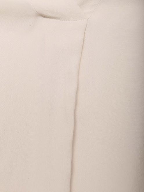 Блуза из смессового шелка с v образным вырезом  - Деталь