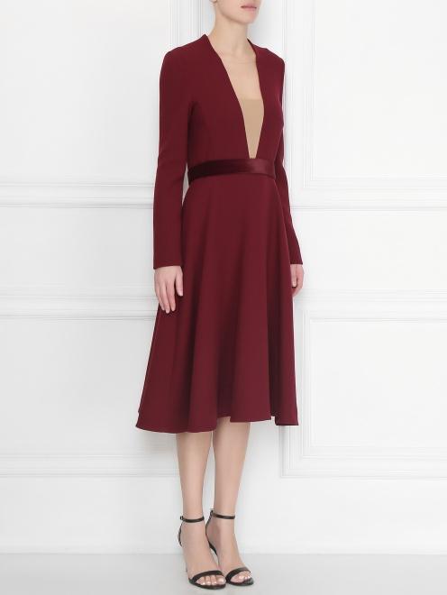 Платье приталенное, из шерсти - МодельВерхНиз