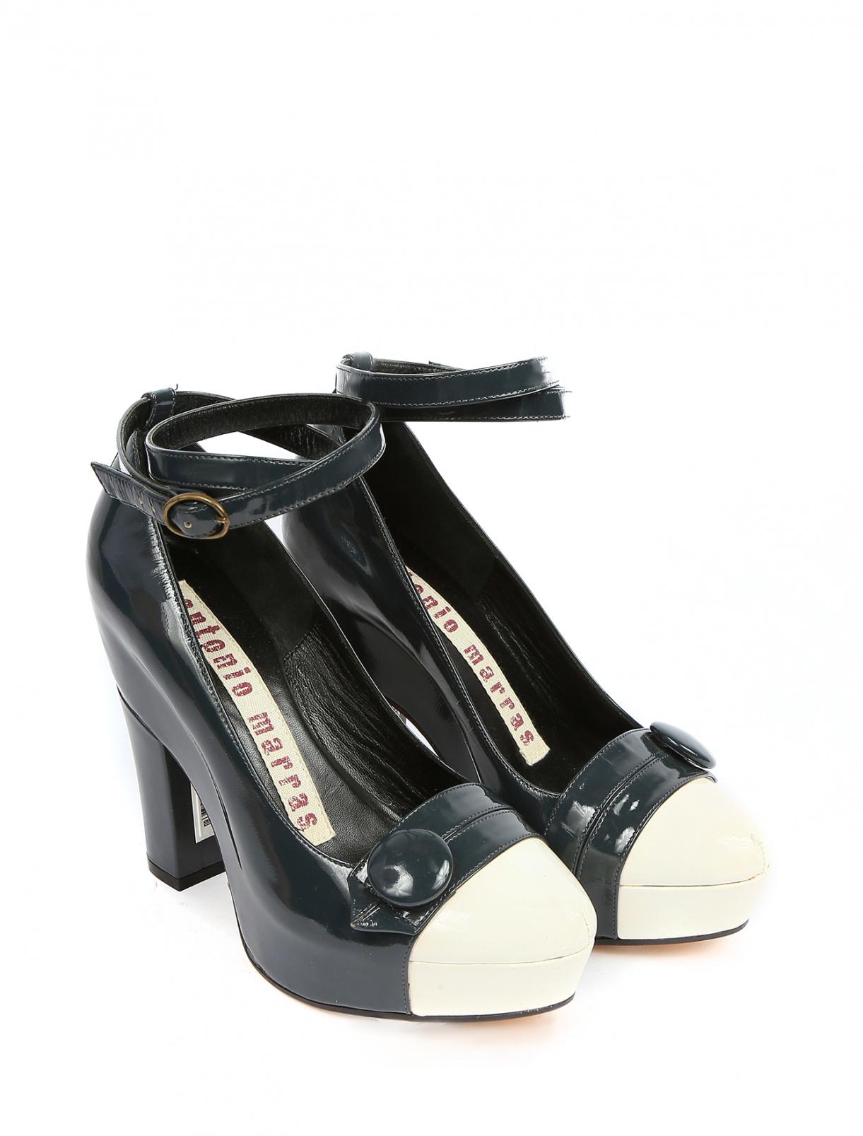 Туфли из лаковой кожи на устойчивом каблуке и платформе Antonio Marras  –  Общий вид  – Цвет:  Синий