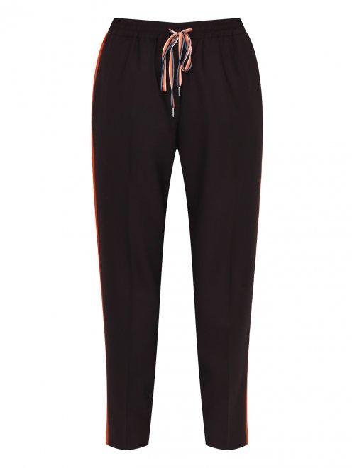Укороченные брюки с лампасами - Общий вид