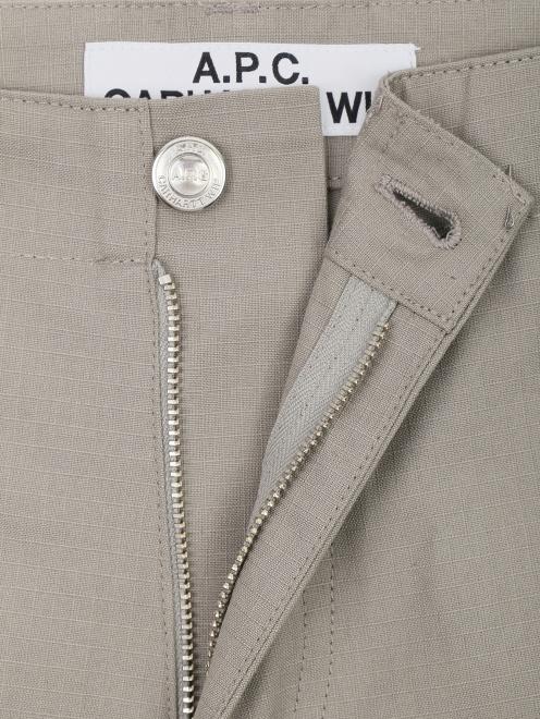 Шорты хлопковые с накладными карманами  - Деталь1