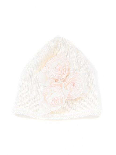 Шапочка из шерсти с декоративными розами - Общий вид