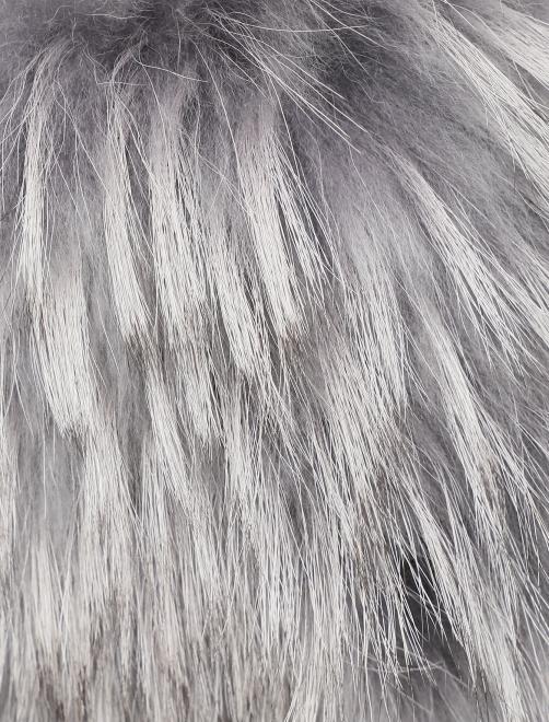 Пальто из шерсти с отделкой мехом енота - Деталь