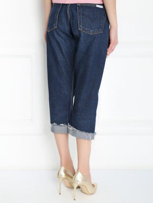 Укороченные джинсы с декоративной отделкой - МодельВерхНиз1