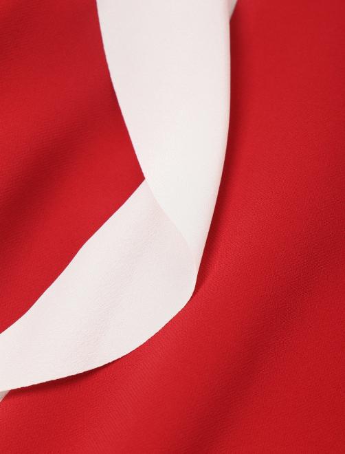 Платье-мини с контрастной отделкой - Деталь